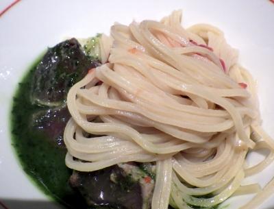 麺と心 7 濃厚鰹白湯つけ麺 IMPACT. ~ジェノベーゼ仕立て~(麺のアップ)