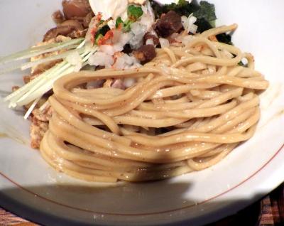 麺と心 7 魚貝味噌MAZESOBA ~貝出汁FEVER~(麺のアップ)