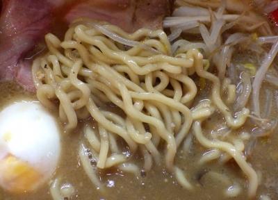 麺屋 彩々 味噌らーめん(2016年)(麺のアップ)