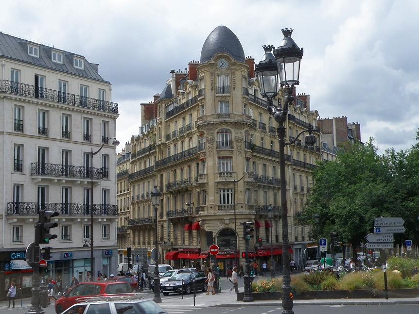 フランスでは歩行者は自動車にとって邪魔者という認識しか無い