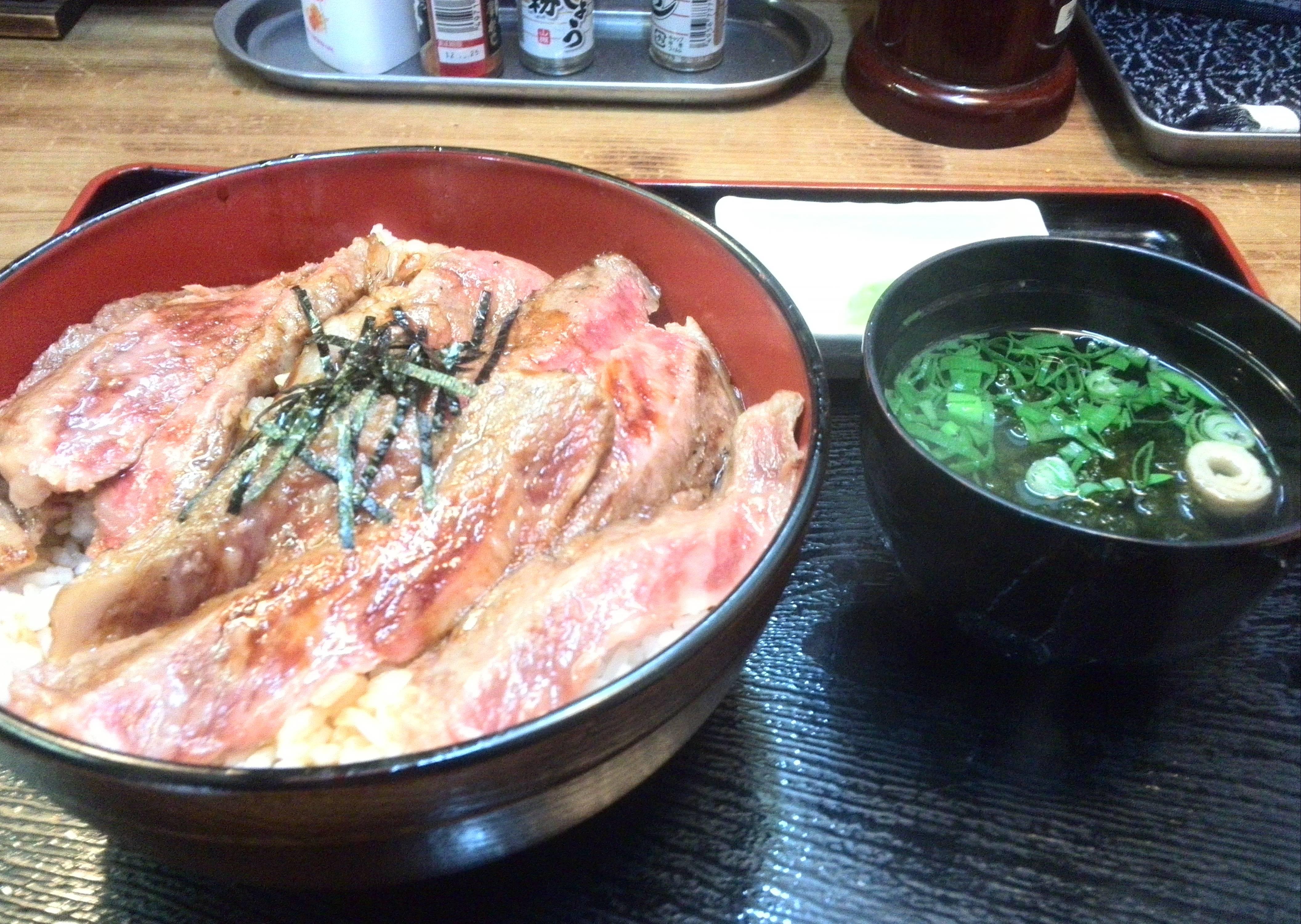 松阪牛ステーキ丼 三重県ならでの名物料理