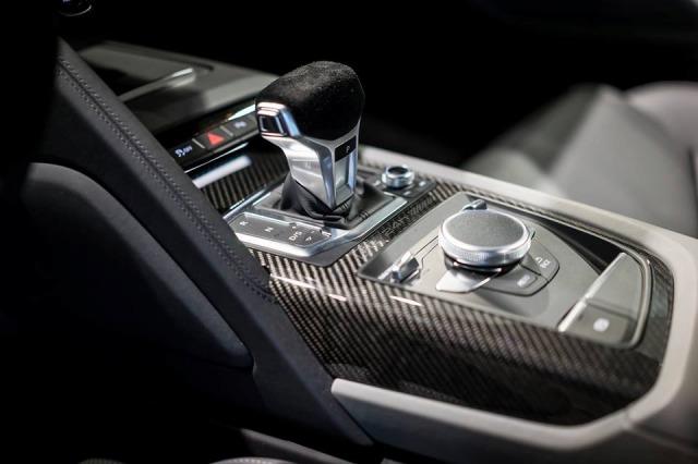 Audi-R8-Selection-24h35684965huygt5rf (3)