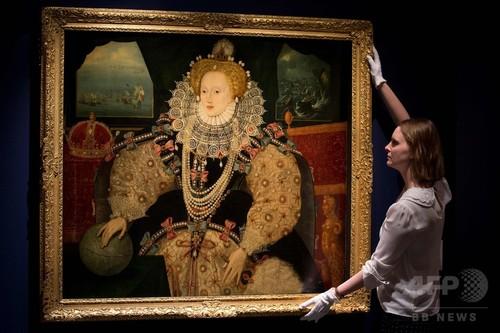 凍り付いた氷表情の女王、無表情彼女は「国家と結婚した。」