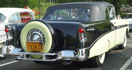 1956-Chevrolet-Bel-Air-yg-bl-r-le.jpg