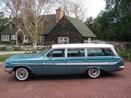 1961_impala_wagon_2.jpg