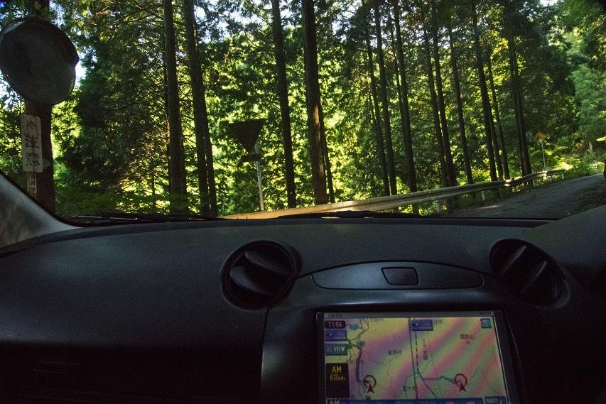車内から見たかんかけ峠