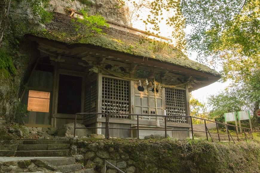 岩屋神社本殿