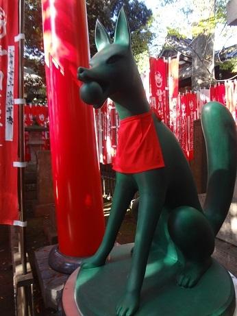 奥の院参道稲荷狐(玉)
