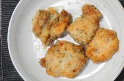 鶏胸肉の、チーズ&パン粉焼き
