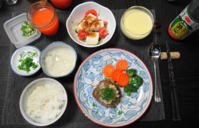和風おろしハンバーグの夕食