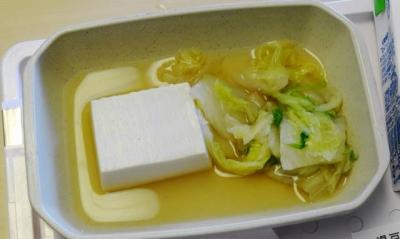 8月14日の朝食 湯豆腐