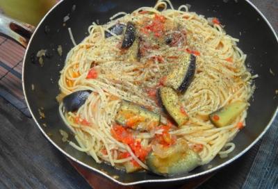 茄子とトマトのスパゲティ パスタパン