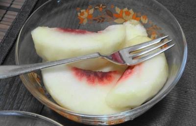 白桃のデザート