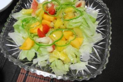 無花果と柿のフルーツサラダ