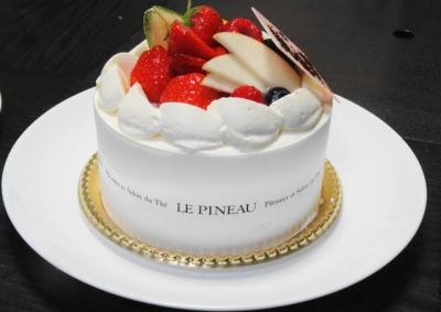 フルーツの生クリームケーキ