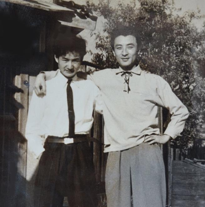 庄田進君(右)と私 1956年 鳴尾にて