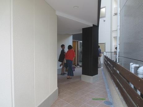 立川新築エントランス