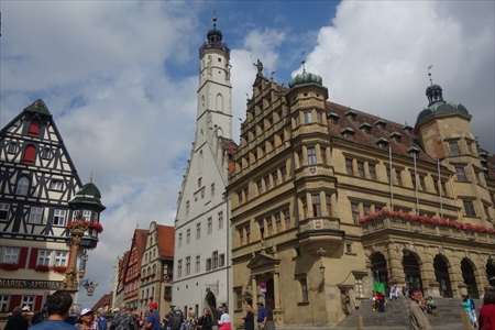 市庁舎と鐘塔_R