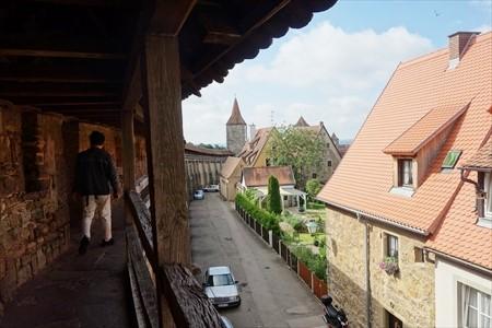 城壁から街を見る_R