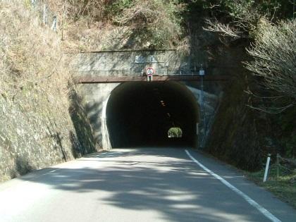山伏トンネル03