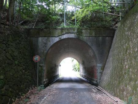 夜昼隧道18