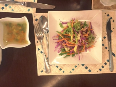 160922ambalama(アンバラマ)アンバラマプレート1200円のサラダとスープ