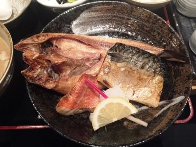 161026磯一西梅田店焼魚定食850円ホッケ、赤魚、サバ