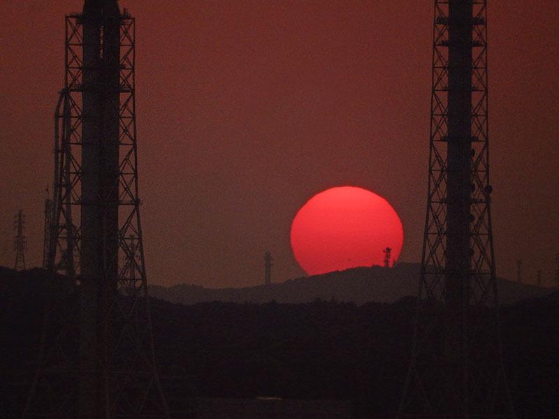 160522煙突と夕日@東京湾フェリー5