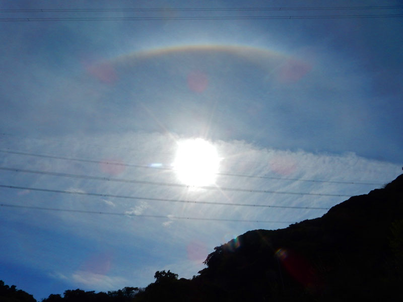 161023今日の彩雲と日暈2