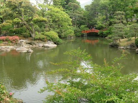廻遊式の旧安田庭園 ②
