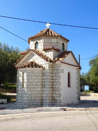 ヒマラの小さな教会