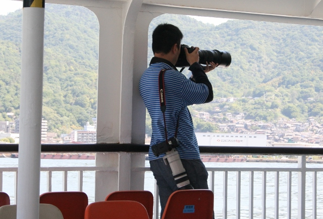 IMG_3934 でかいカメラ(640x433)