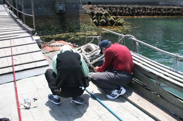 IMG_3959 音戸渡船の釣り人(640x424)