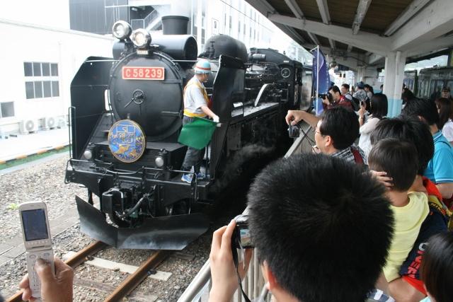 IMG_5172 機関車切り離し(640x427)