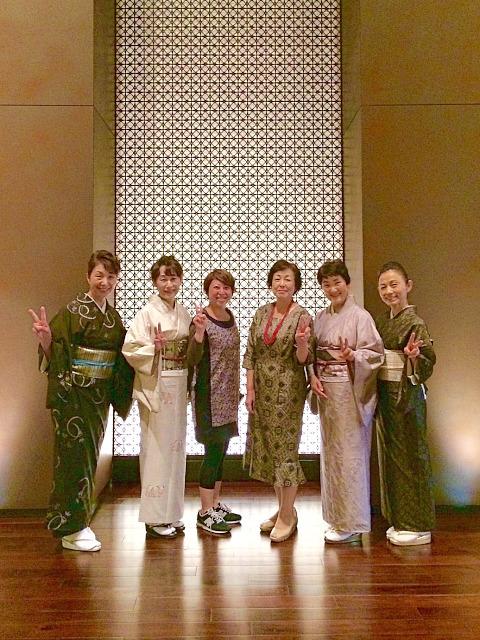 *久々に大島紬で集合しました