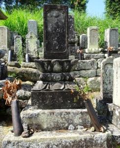 丈和の兄、葛野半蔵の墓