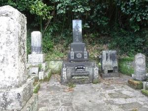 秀和の実家「土屋家」の墓