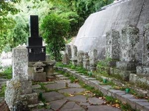 土屋家本家の墓
