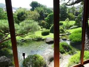 部屋から見える庭