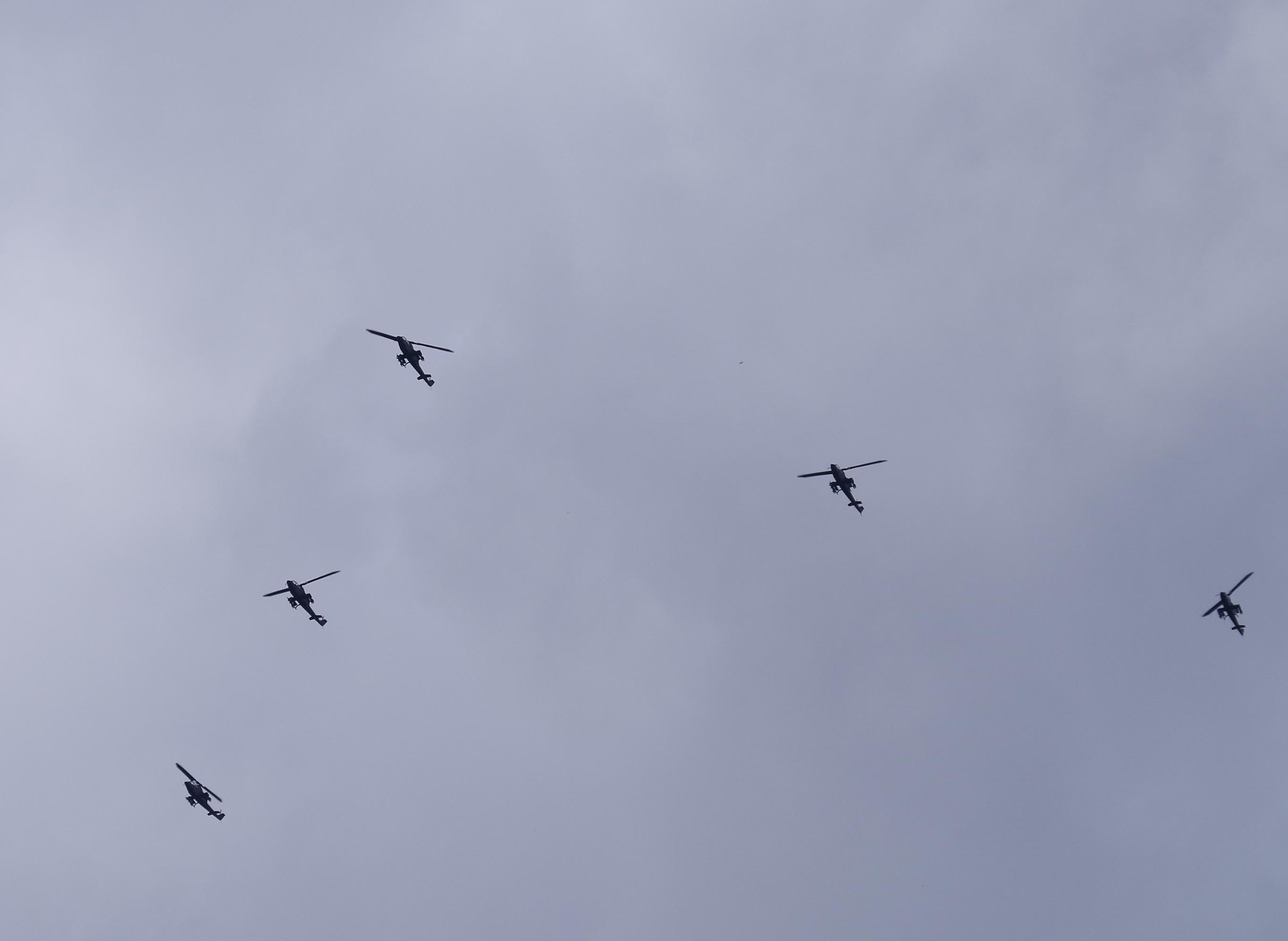 陸上自衛隊ヘリコプター 東京都足立区上空