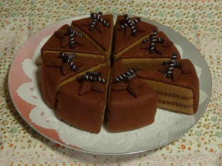 フェルト手芸 チョコレートケーキ 4