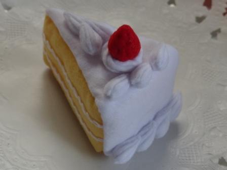 フェルト手芸 イチゴショートケーキ 2