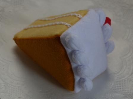 フェルト手芸 イチゴショートケーキ 3