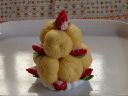 フェルト手芸 ケーキ シューツリー 1