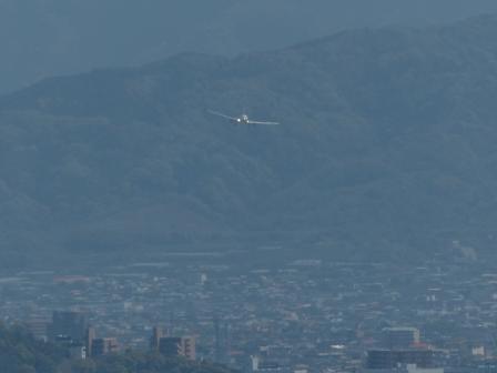 興居島から見た風景 飛行機着陸 1