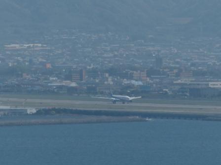 興居島から見た風景 飛行機着陸 2