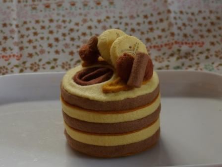フェルト手芸 ケーキ キャメル・ムーン 1