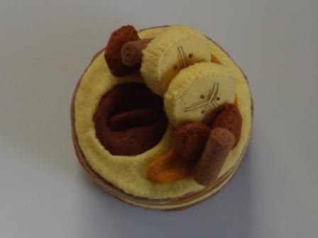 フェルト手芸 ケーキ キャメル・ムーン 3