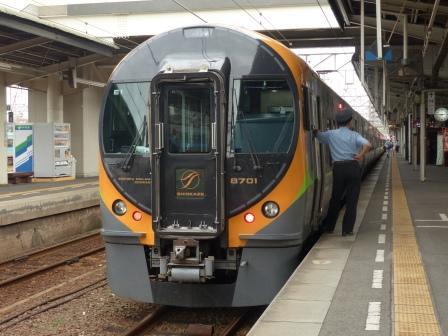 JR四国 8600系電車 1
