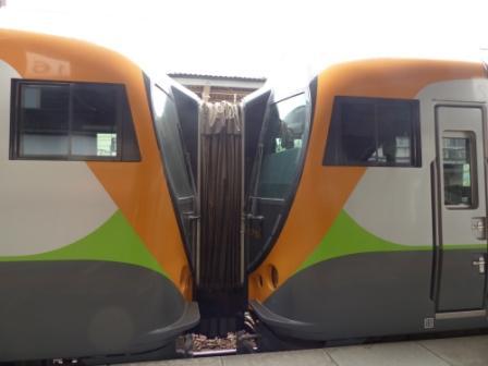 JR四国 8600系電車 2